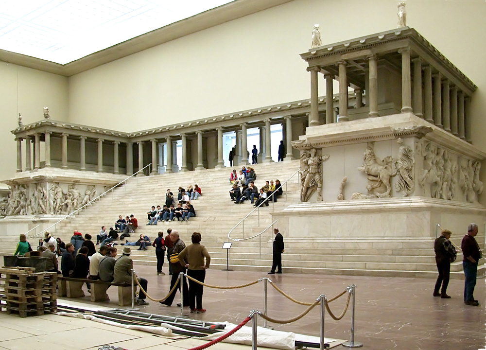 The-Great-Altar-of-Pergamon,-on-display-in-the-Pergamonmuseum-in-Berlin,-Germany