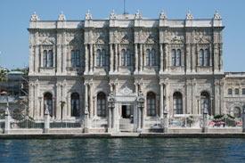 Istanbul-Turkey-Dolma-Bahce-Palace-Museum